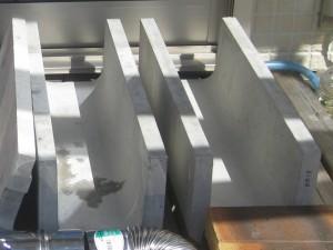 室内暖房用ロケットストーブの材料のU字溝150