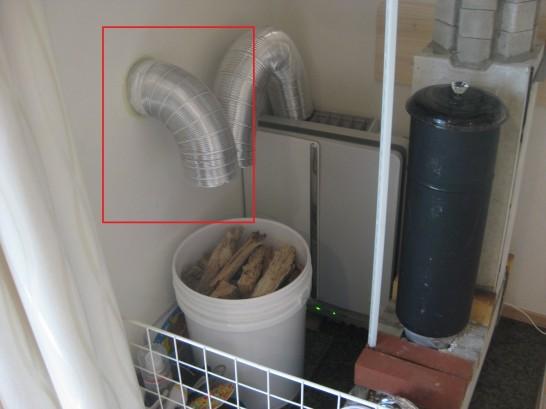 自作薪ストーブの吸気を助ける外気導入ダクト