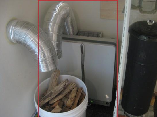 室内で薪をくべるギリギリまで乾燥させる