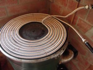 ロケットストーブで温水を作る